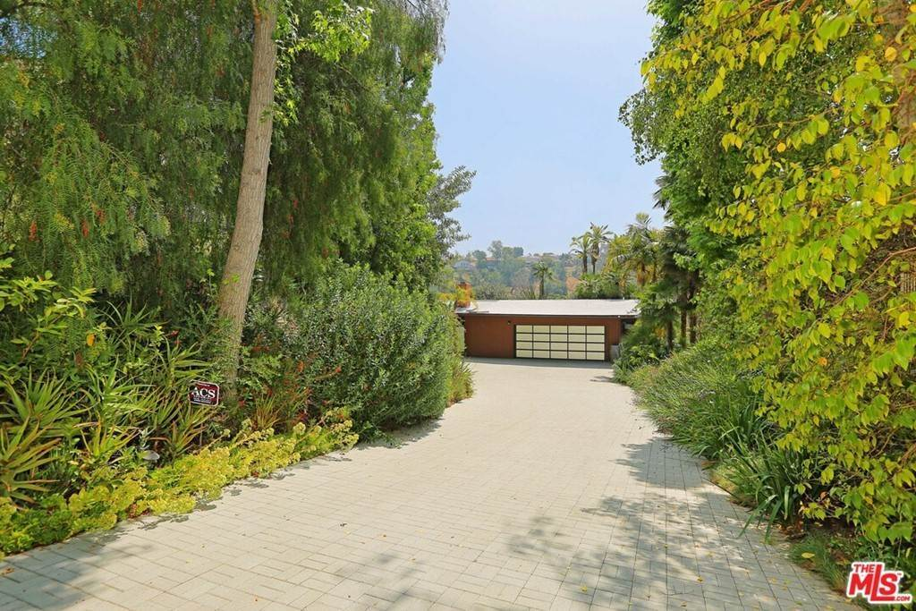 32. Residential for Sale at Claray Drive Los Angeles, California 90077 United States