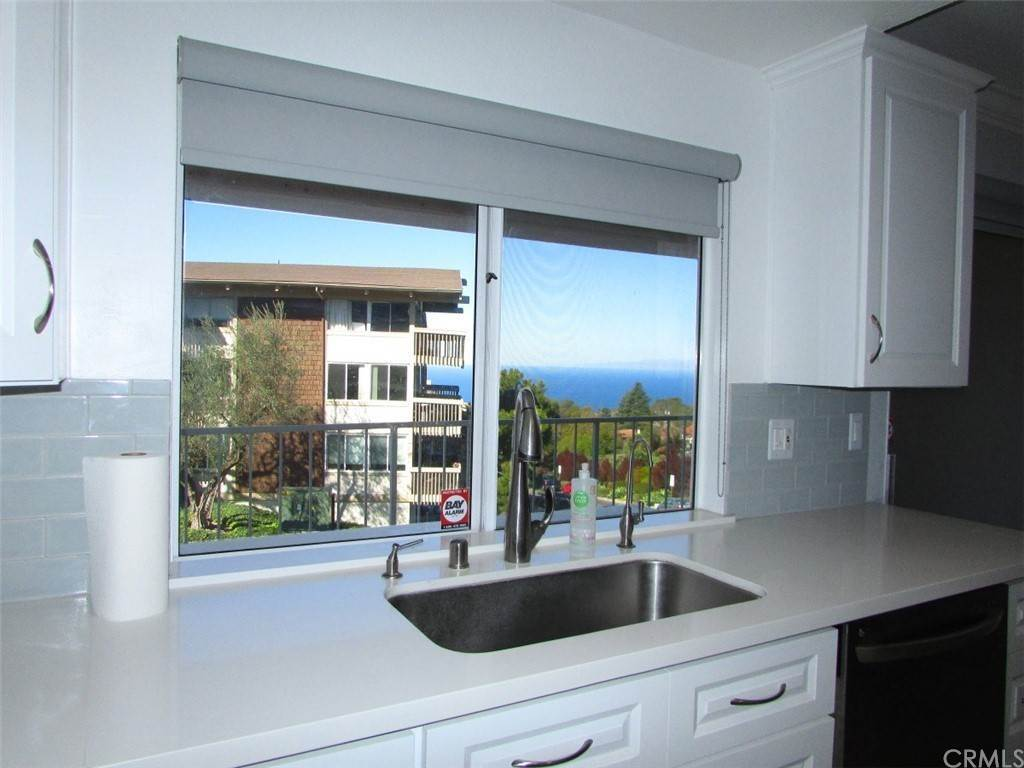 13. Residential for Sale at Island View Drive Rancho Palos Verdes, California 90275 United States
