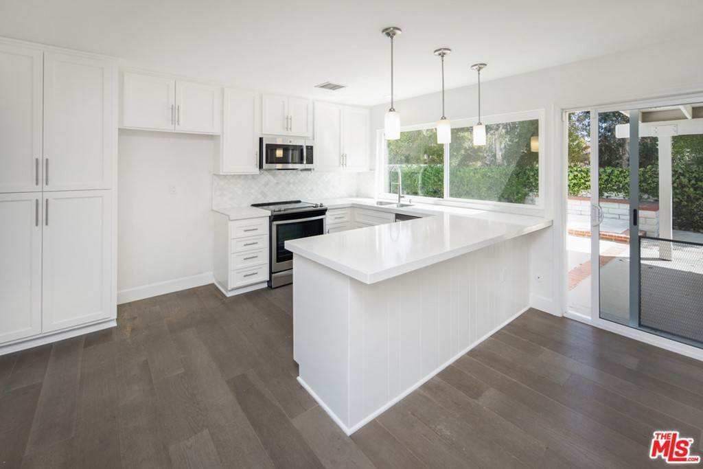 2. Residential Lease at Town Crier Road Calabasas, California 91302 United States