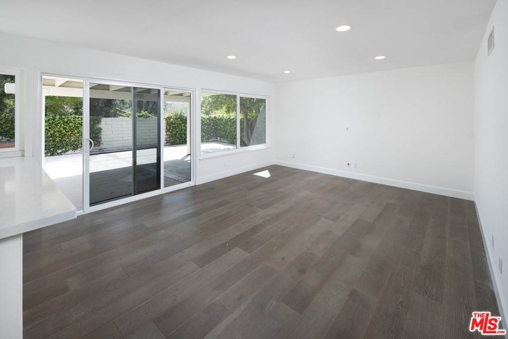 3. Residential Lease at Town Crier Road Calabasas, California 91302 United States