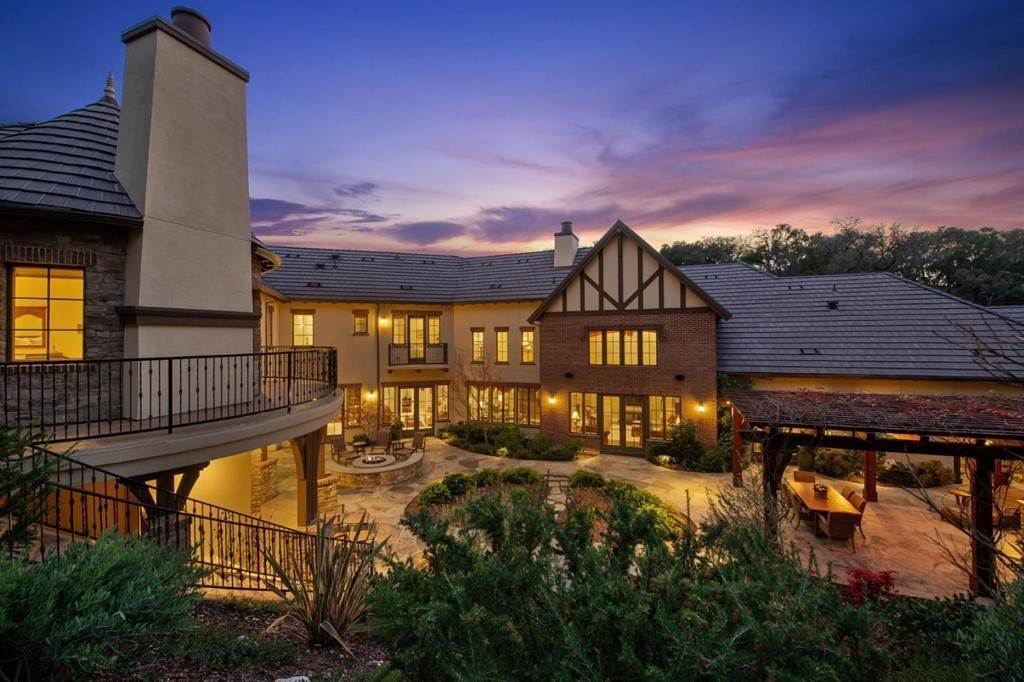 18. Residential for Sale at Shady Lane Los Gatos, California 95032 United States