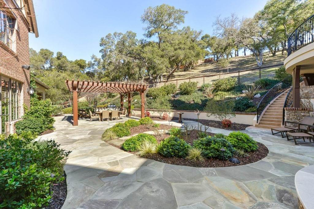 21. Residential for Sale at Shady Lane Los Gatos, California 95032 United States