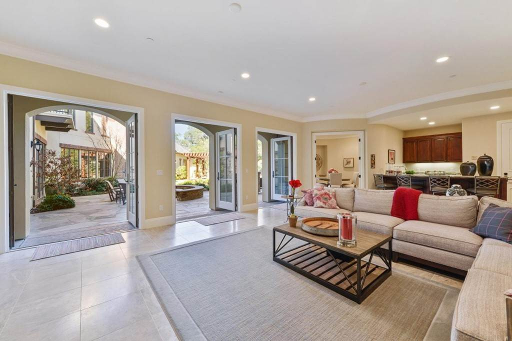 9. Residential for Sale at Shady Lane Los Gatos, California 95032 United States