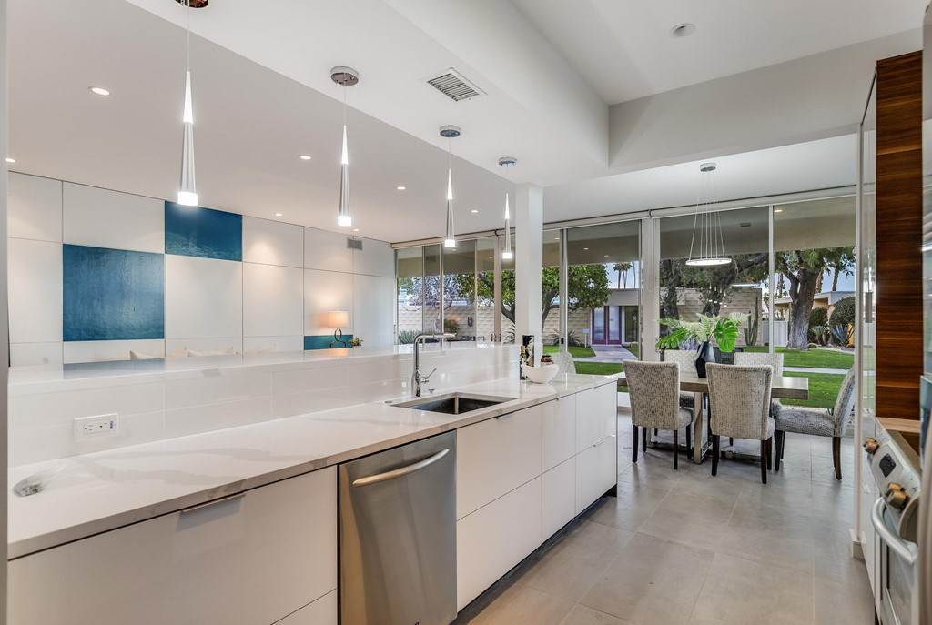 8. Residential for Sale at Desert Lakes Drive Palm Springs, California 92264 United States