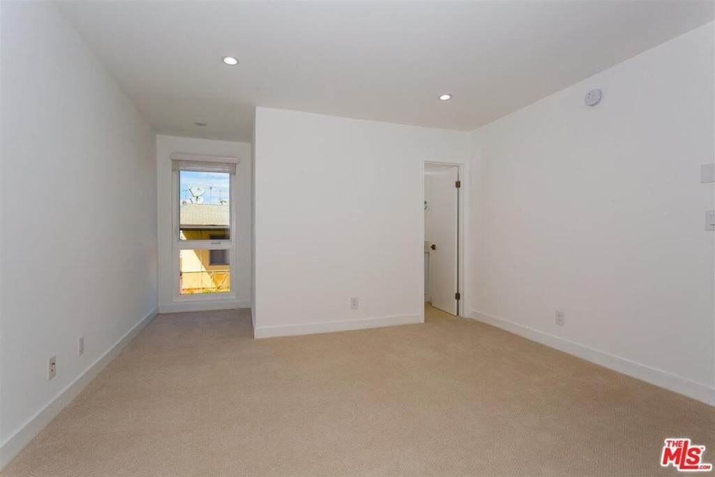 3. Residential Lease at Idaho Avenue Santa Monica, California 90403 United States