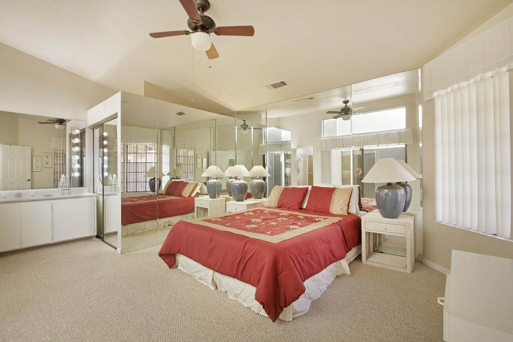 19. Residential for Sale at Woodhaven Drive E Palm Desert, California 92211 United States