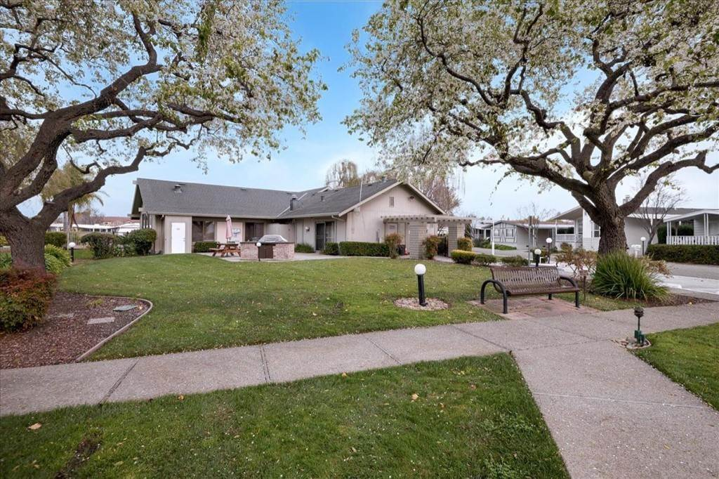 33. Single Family Homes for Sale at Morse Avenue Sunnyvale, California 94089 United States