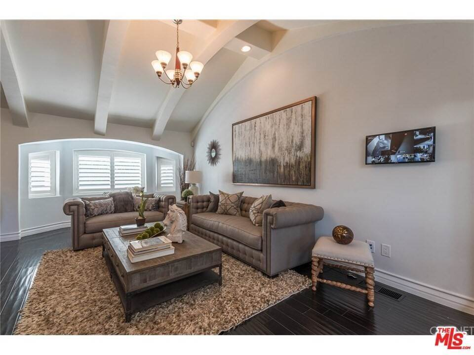 Residential for Sale at CHARLESTON Way Los Angeles, California 90068 United States