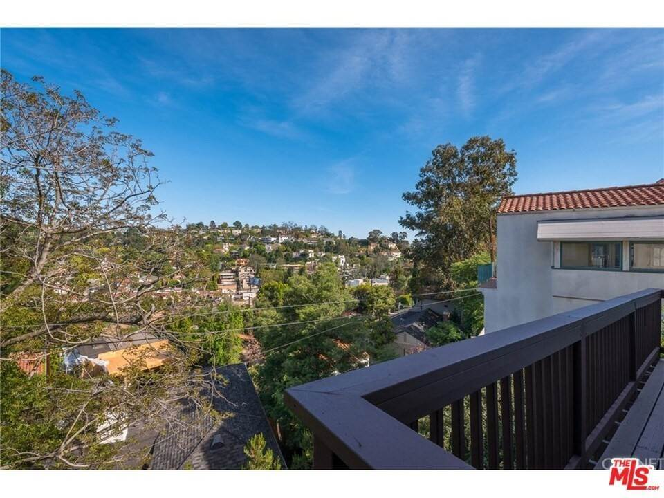 23. Residential for Sale at CHARLESTON Way Los Angeles, California 90068 United States