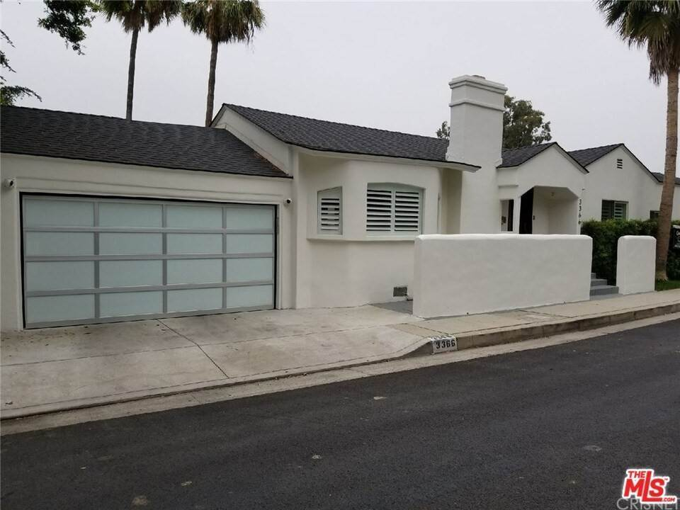 4. Residential for Sale at CHARLESTON Way Los Angeles, California 90068 United States