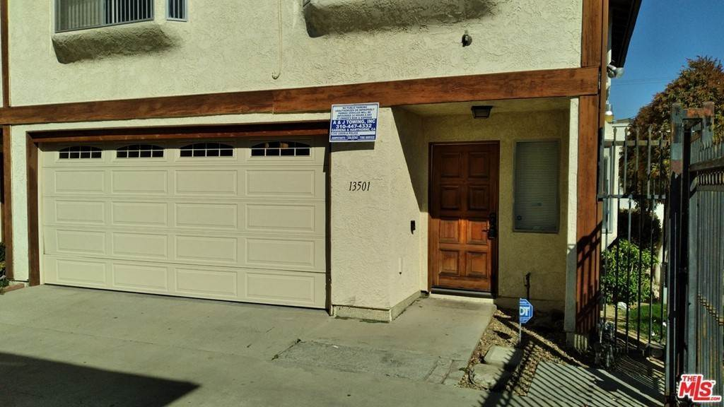 26. Residential for Sale at Lemoli Avenue Hawthorne, California 90250 United States