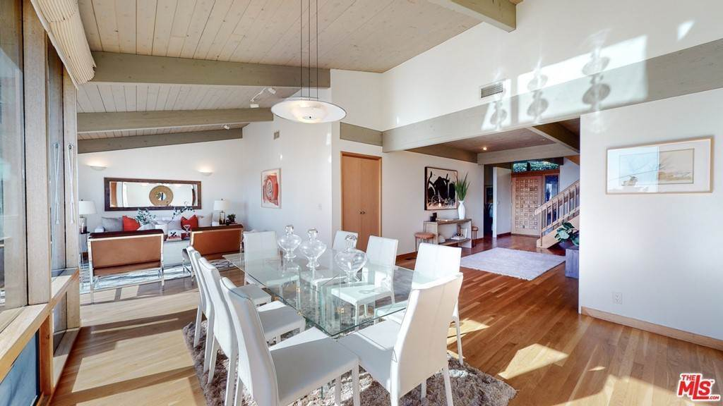 12. Residential for Sale at Crane Boulevard Los Angeles, California 90065 United States