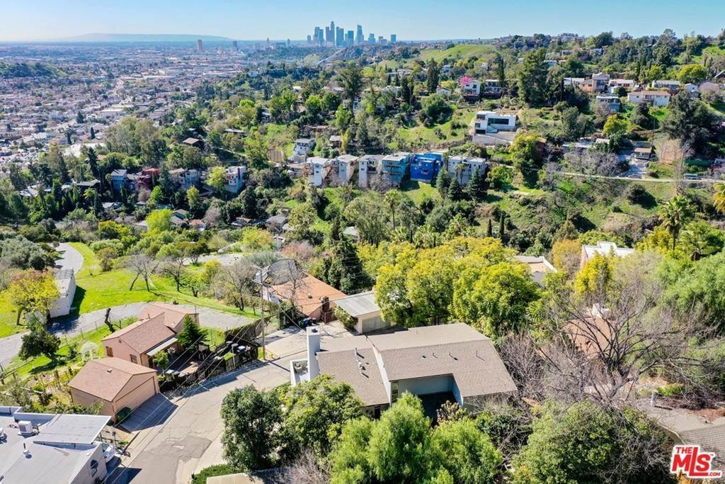 2. Residential for Sale at Crane Boulevard Los Angeles, California 90065 United States