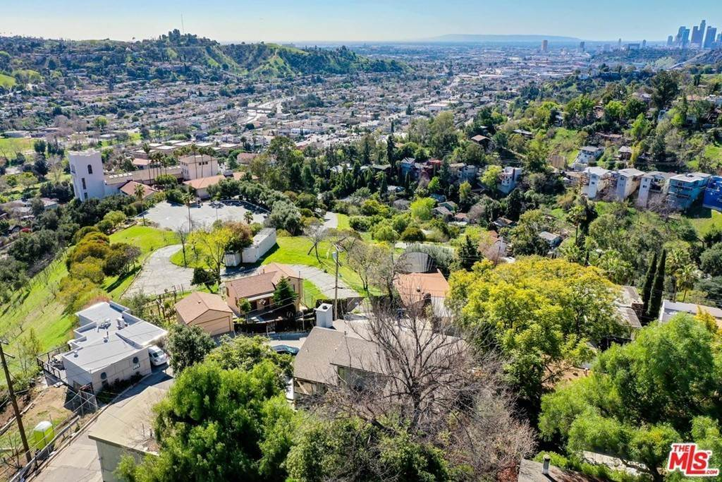 49. Residential for Sale at Crane Boulevard Los Angeles, California 90065 United States