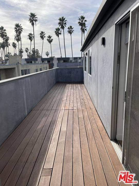 11. Residential Lease at 4Th Street Santa Monica, California 90403 United States