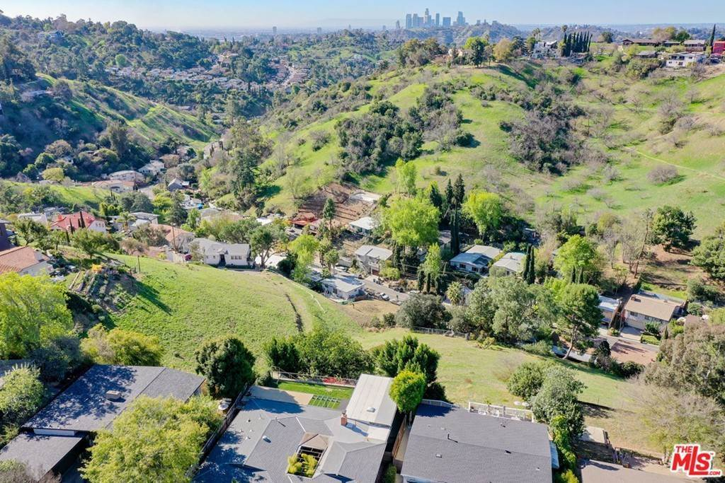 10. Land for Sale at Bend Drive Los Angeles, California 90065 United States