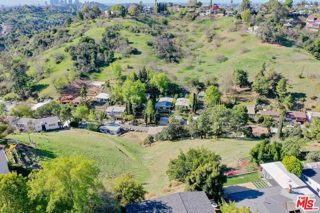 12. Land for Sale at Bend Drive Los Angeles, California 90065 United States
