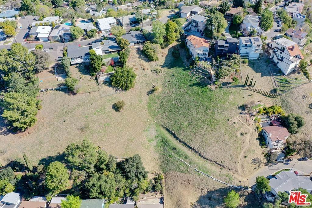 19. Land for Sale at Bend Drive Los Angeles, California 90065 United States