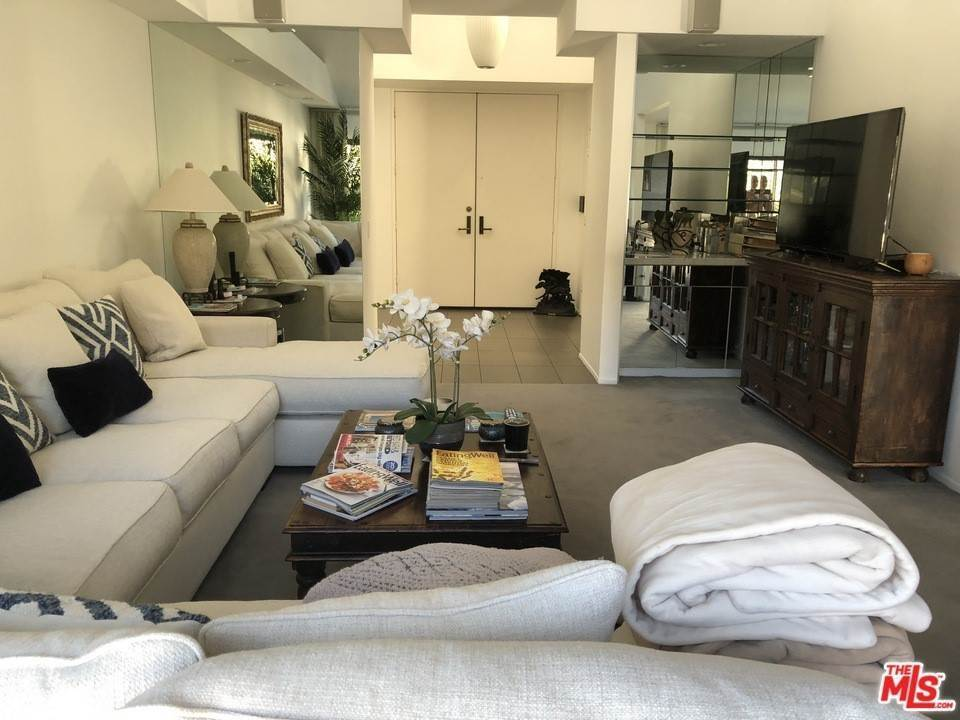 10. Residential for Sale at Skyline View Drive Malibu, California 90265 United States