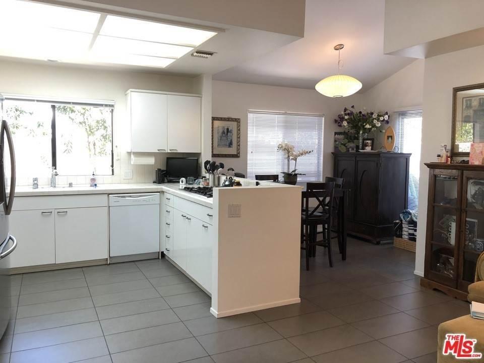 4. Residential for Sale at Skyline View Drive Malibu, California 90265 United States