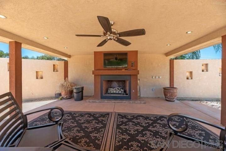 18. Residential for Sale at Telford Lane Ramona, California 92065 United States