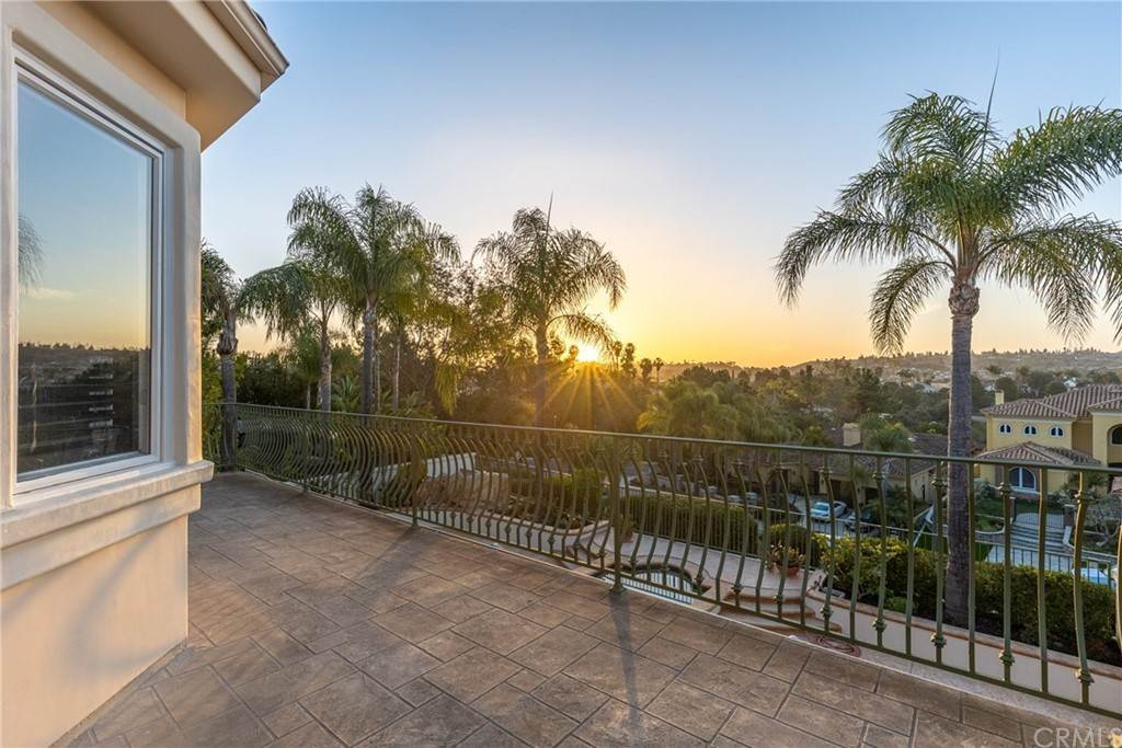 14. Residential for Sale at San Rafael Place Laguna Niguel, California 92677 United States