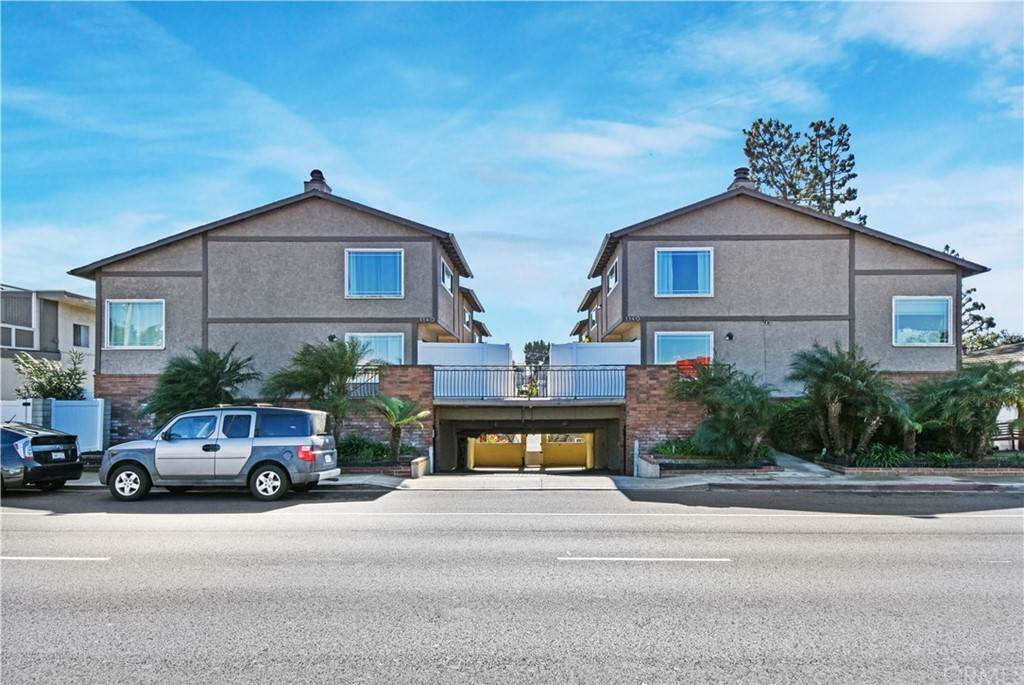 24. Residential for Sale at Manhattan Beach Boulevard Manhattan Beach, California 90266 United States