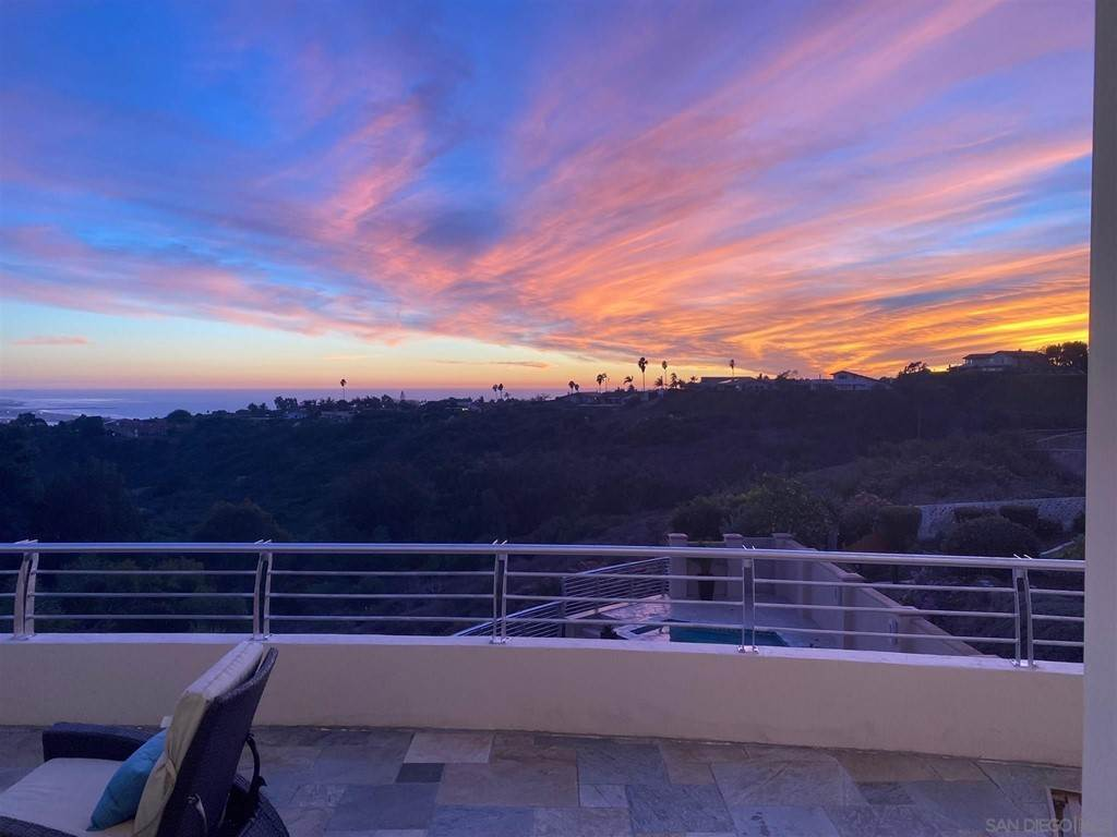 18. Residential for Sale at Soledad Mountain Road La Jolla, California 92037 United States