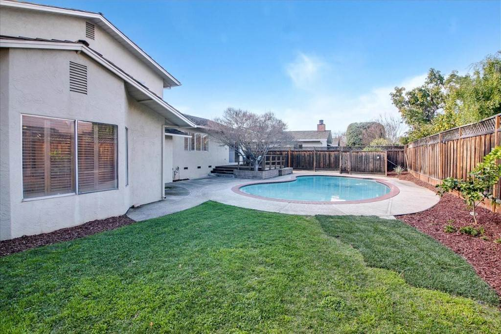 28. Residential for Sale at Glenkirk Drive San Jose, California 95124 United States