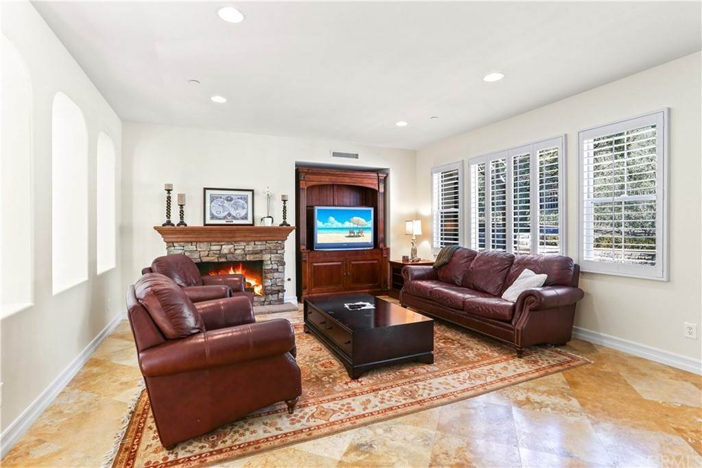 14. Residential for Sale at Via Timon San Clemente, California 92673 United States