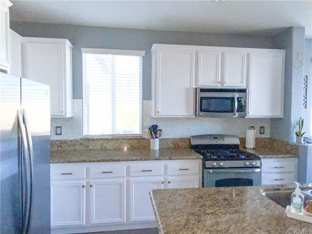 11. Residential for Sale at Canyon Valley Drive Lake Elsinore, California 92530 United States