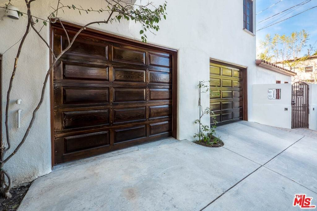 42. Residential Income for Sale at Holly Knoll Drive Los Angeles, California 90027 United States