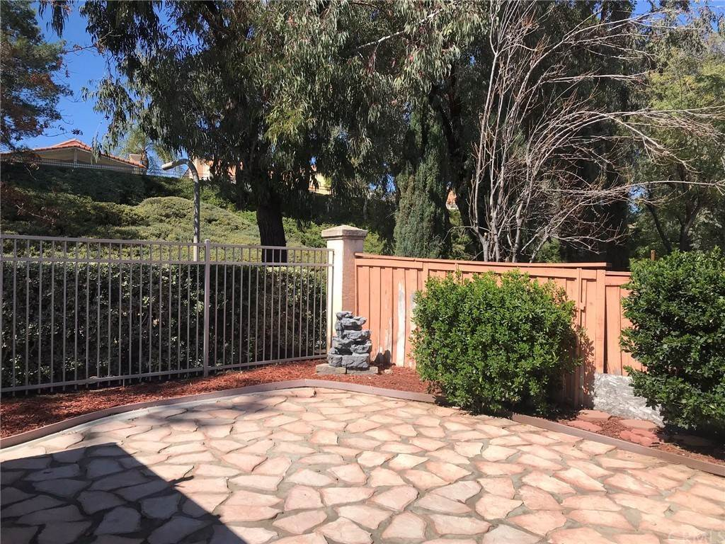25. Residential for Sale at Calle Novelda Temecula, California 92592 United States