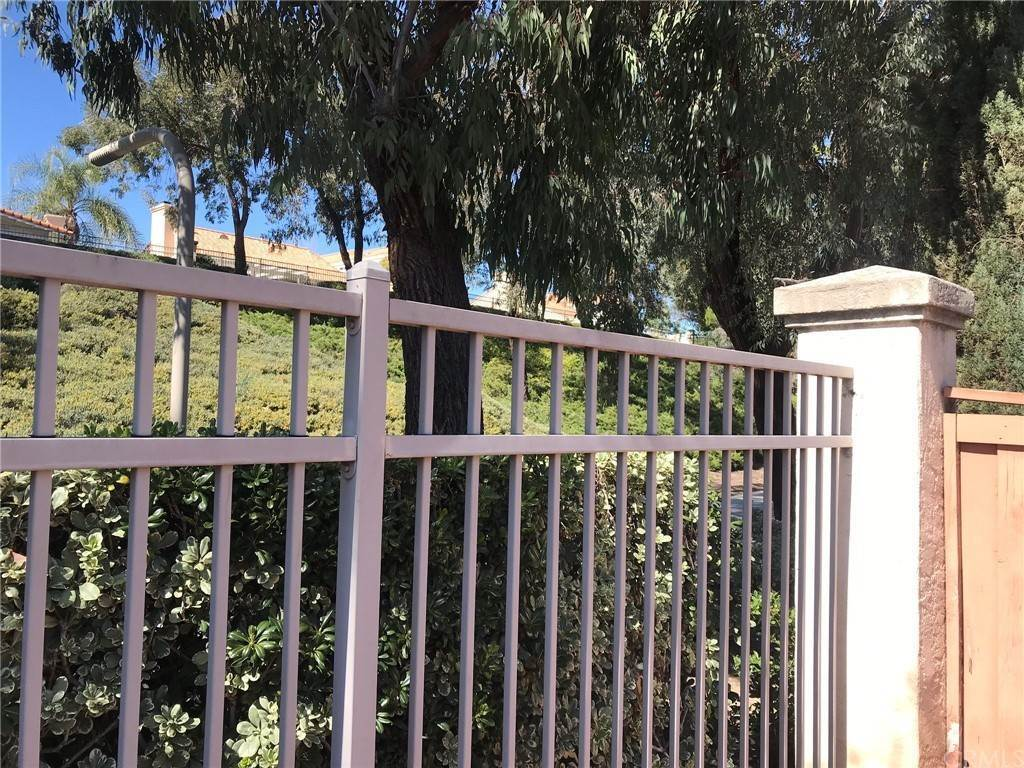 28. Residential for Sale at Calle Novelda Temecula, California 92592 United States