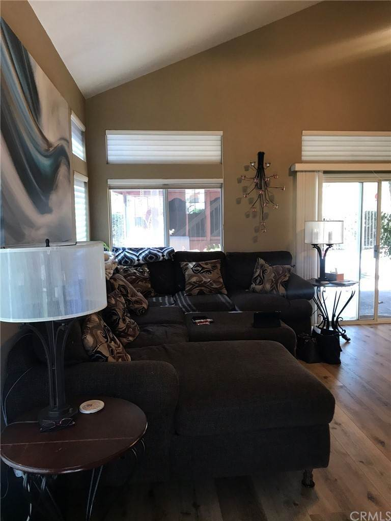 9. Residential for Sale at Calle Novelda Temecula, California 92592 United States