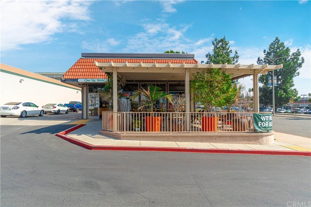 4. Commercial for Sale at Huntington Drive Duarte, California 91010 United States