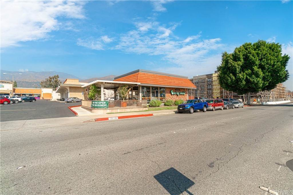 7. Commercial for Sale at Huntington Drive Duarte, California 91010 United States