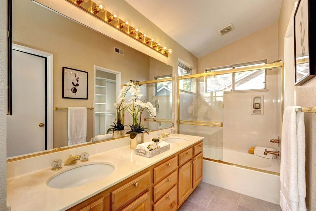 12. Residential for Sale at Ginashell Circle San Jose, California 95119 United States