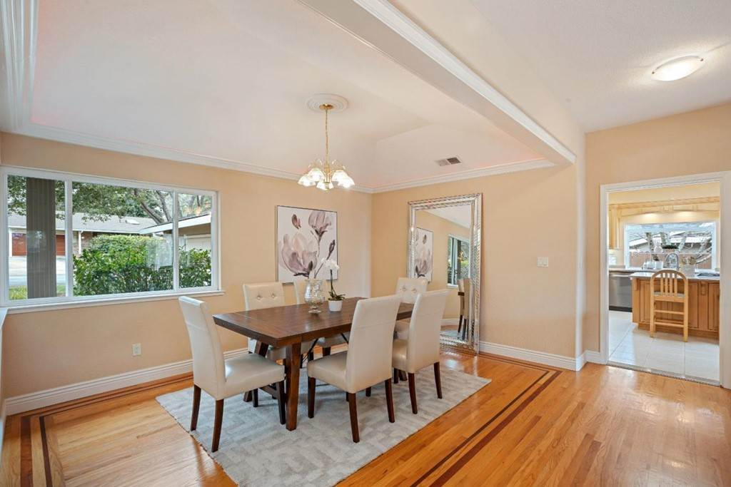11. Residential for Sale at Wistaria Lane Los Altos, California 94024 United States