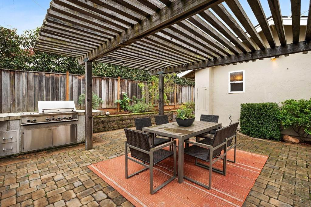 8. Residential for Sale at Wistaria Lane Los Altos, California 94024 United States
