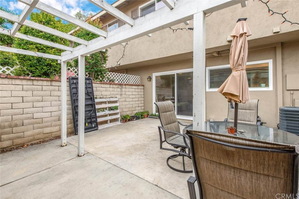 17. Residential for Sale at Sussex Circle Garden Grove, California 92840 United States