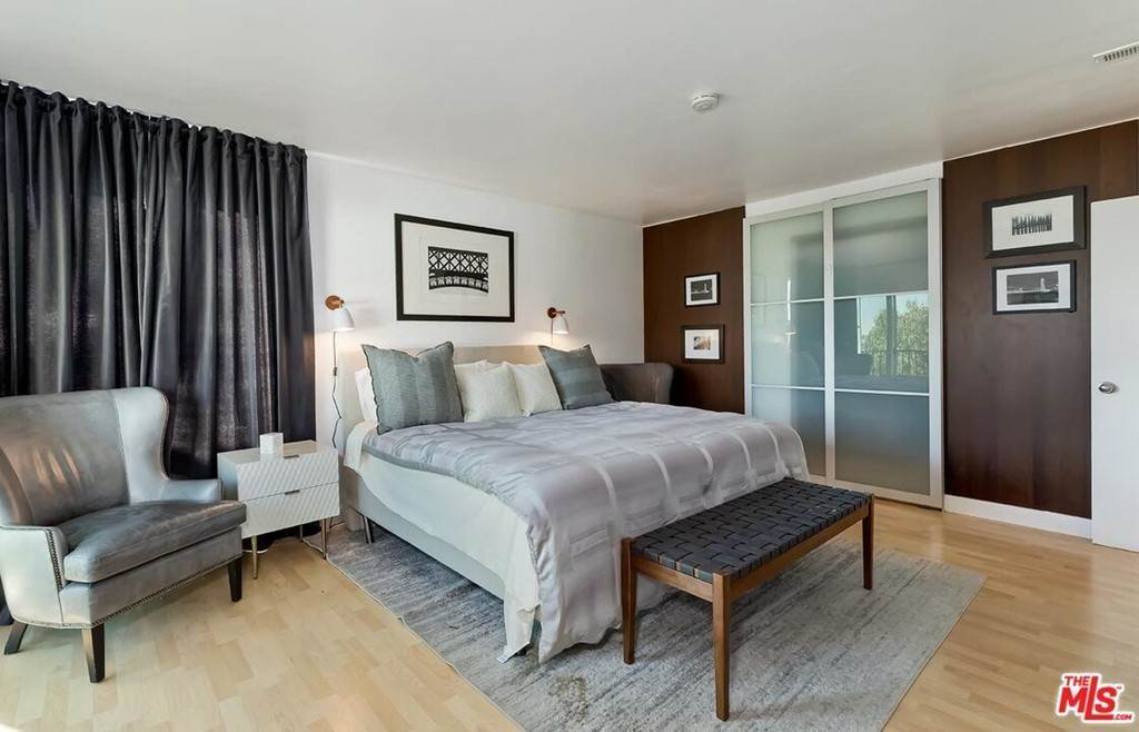 24. Residential Lease at Sierra Mar Drive Los Angeles, California 90069 United States