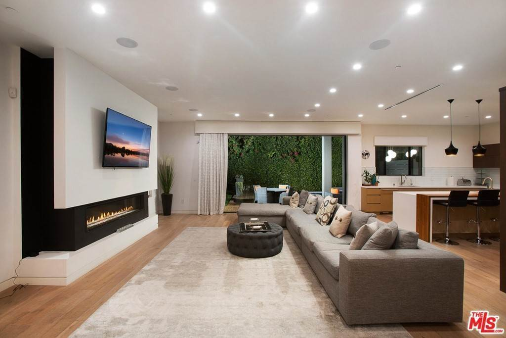 12. Residential Lease for Sale at N CURSON Avenue Los Angeles, California 90046 United States