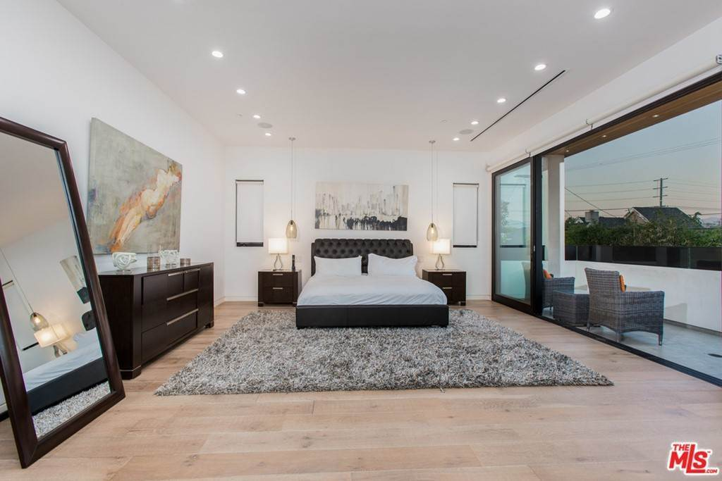 27. Residential Lease for Sale at N CURSON Avenue Los Angeles, California 90046 United States