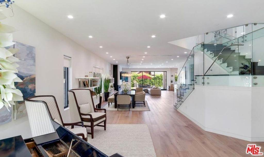 7. Residential Lease for Sale at N CURSON Avenue Los Angeles, California 90046 United States