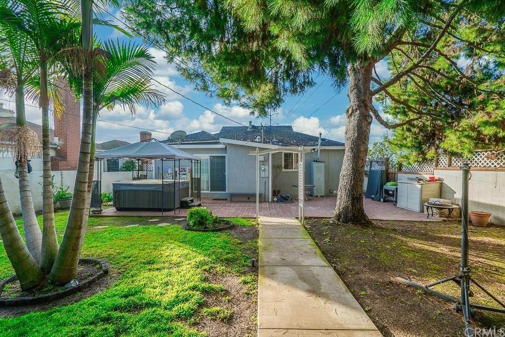 15. Residential for Sale at W Hillsdale Street Inglewood, California 90302 United States