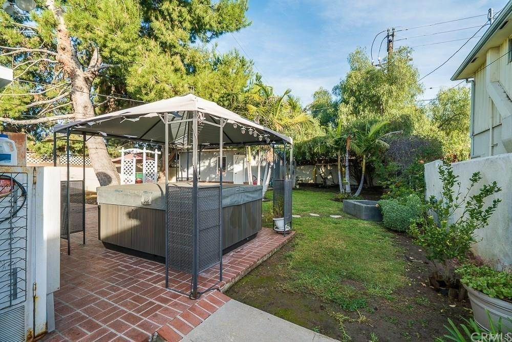 19. Residential for Sale at W Hillsdale Street Inglewood, California 90302 United States