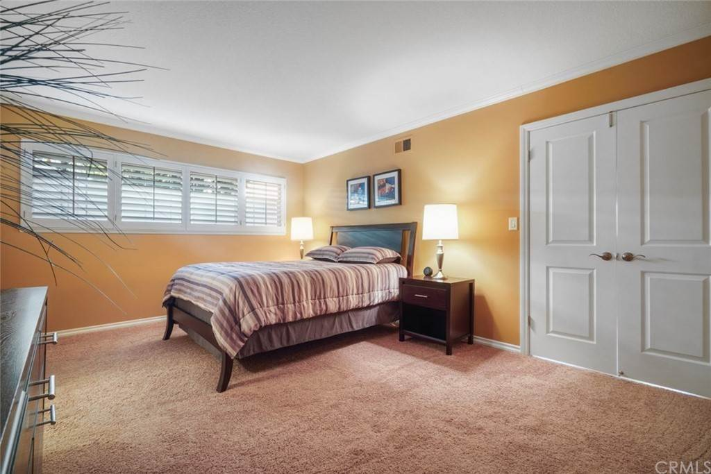 15. Residential for Sale at Snowden Avenue Lakewood, California 90713 United States