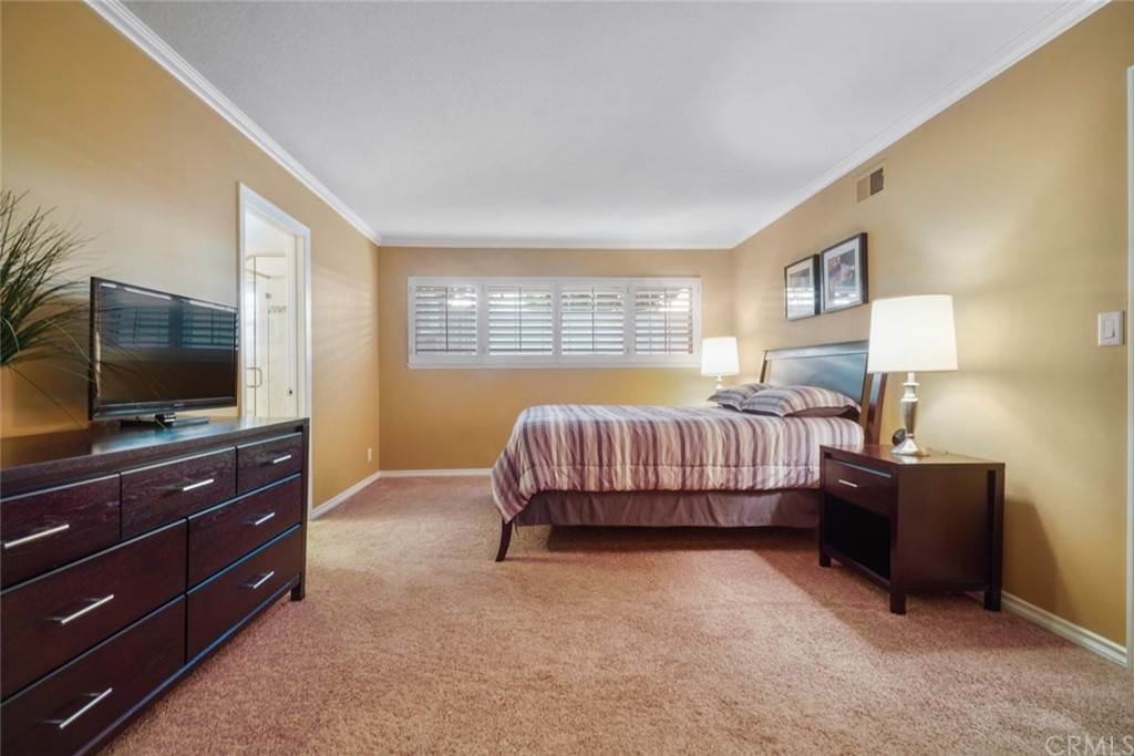 16. Residential for Sale at Snowden Avenue Lakewood, California 90713 United States