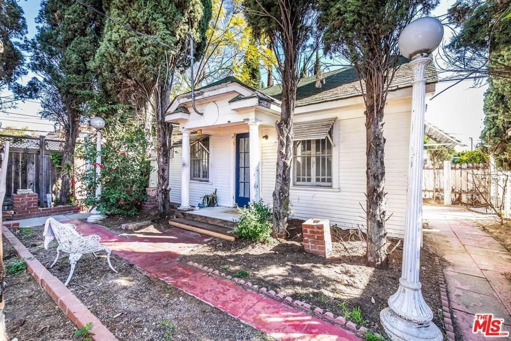 22. Residential for Sale at N Lucerne Boulevard Los Angeles, California 90004 United States